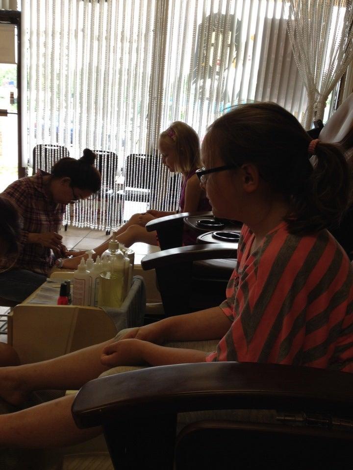 Scottsboro Nails,