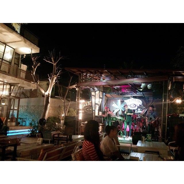 Cafe' De Beach