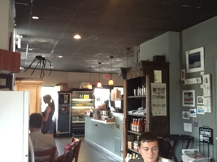 Muddy Water Coffee Bar,coffee, pastries, bagels,cupcakes,internet access,tourist