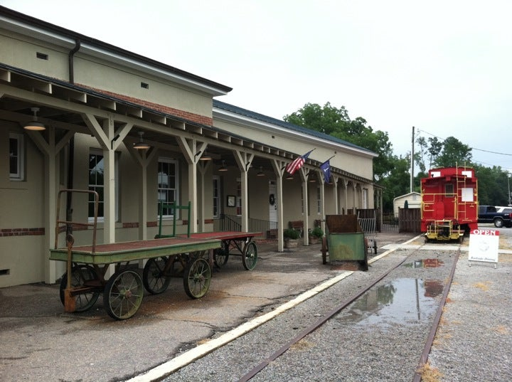 Eatery At The Depot,