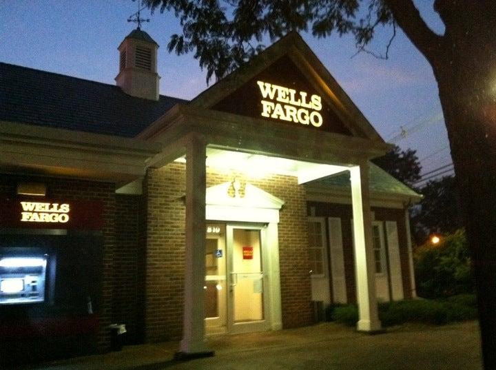 WELLS FARGO BANK,atm,bank,outdoor atm
