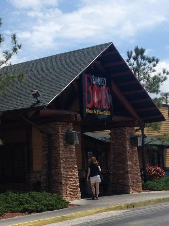 Smokey Bones Bar & Fire Grill,$2.00 drafts,$5.00 pitchers,bbq,drink specials,pecan butter,pork,wings