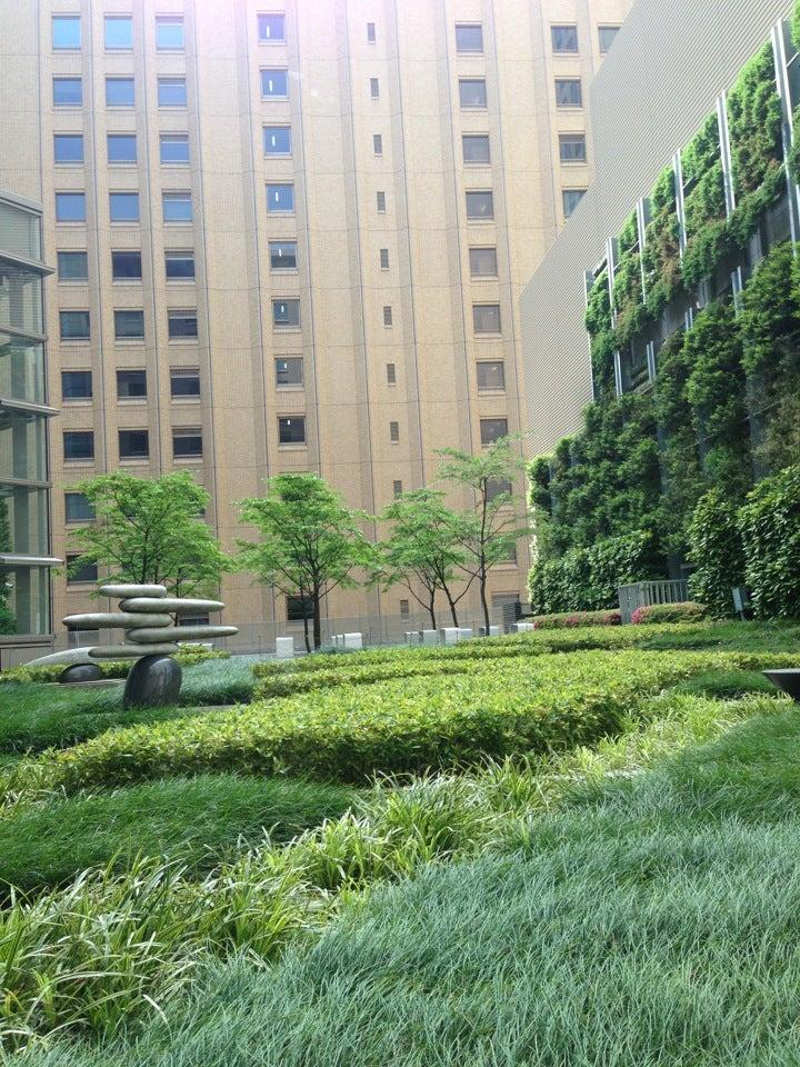 Marunouchi Oazo's Rooftop Garden