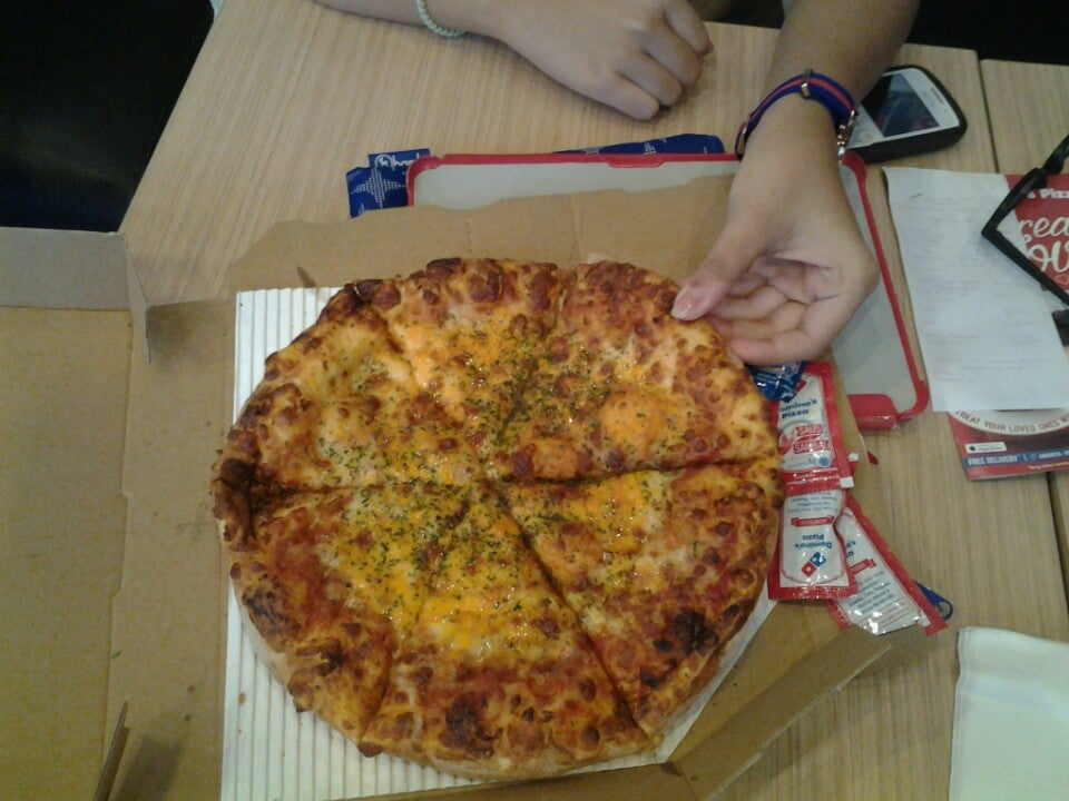 Foto -  dari Domino's Pizza di Tangerang Kota  Fast Food - Jakarta
