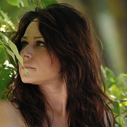 Lara Backstage