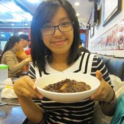 Vivi Xiong
