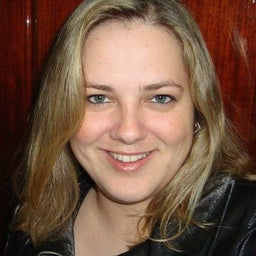 Débora Bravo