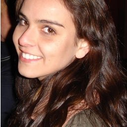 María Elena Caris