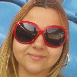 Sarah Moura