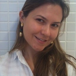 Flávia Cáceres