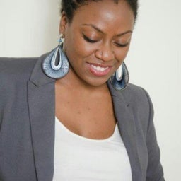Angelique Laz