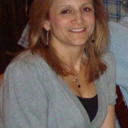 Debra Lund